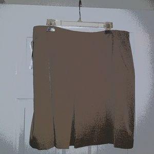 New Ladies Beige Skirt 16